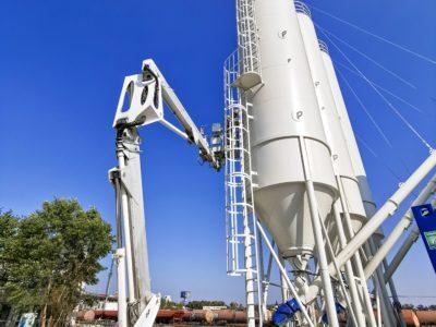Vysokozdvižná plošina MP20 20m. Montážne práce v betonárni.